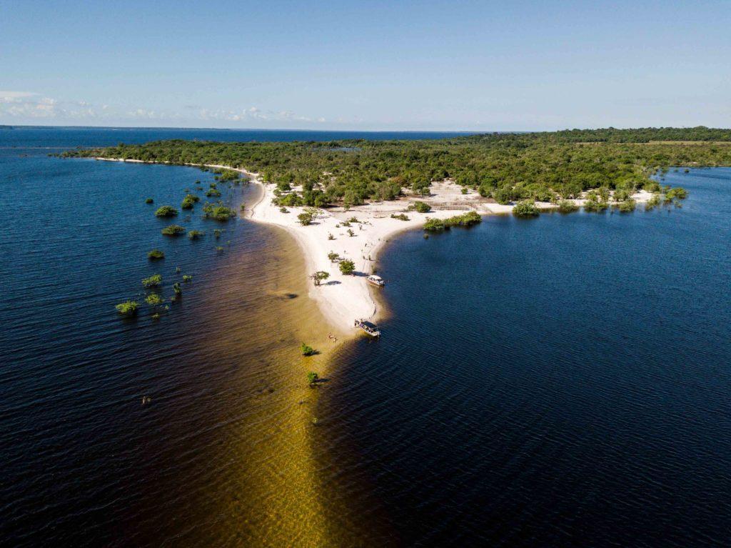 1. Ilha do Amor durante período de cheia do Tapajós