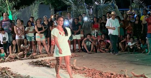 III MUTAK – Desfile de moda da floresta