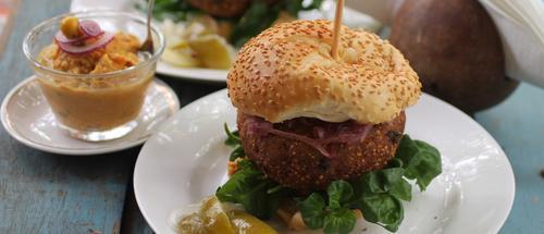 Caju meu encanto - Hambúrger ou bolinho do bagaço de caju