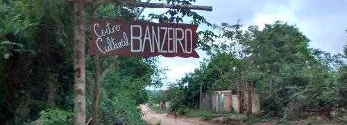 Centro Cultural Banzeiro com barracão novo